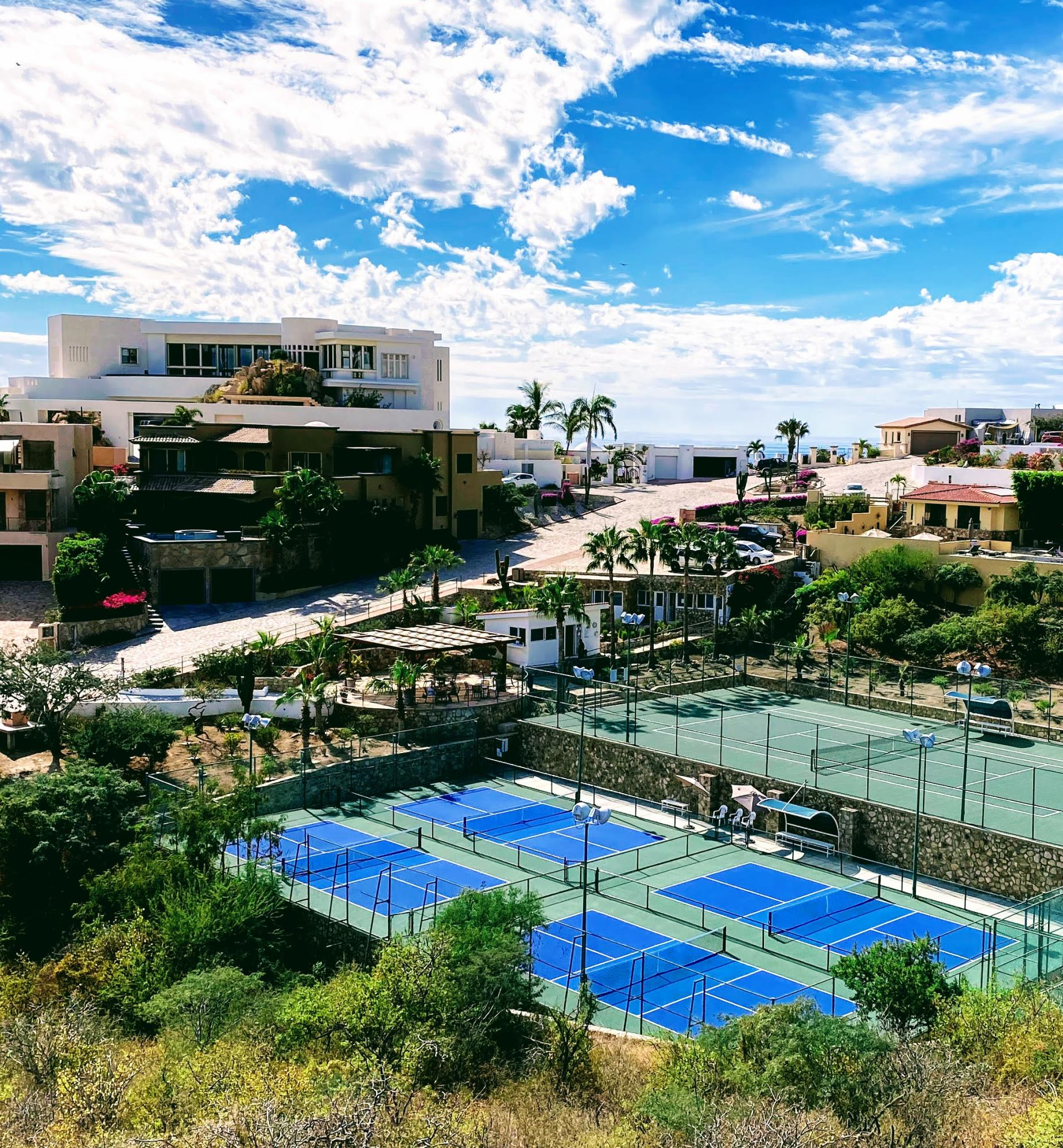 Pedregal Courts
