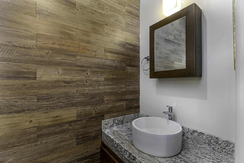 1/2 Bath Main Floor