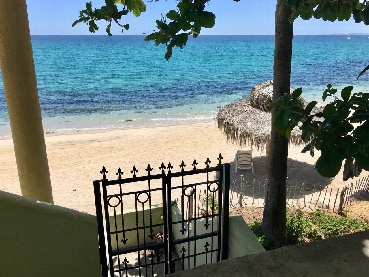 41. Private Casita Beach Gate