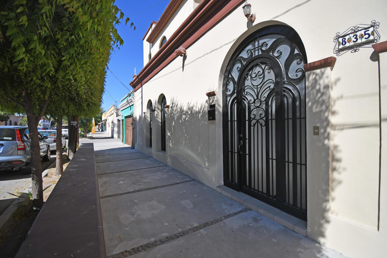Facade & Entrance