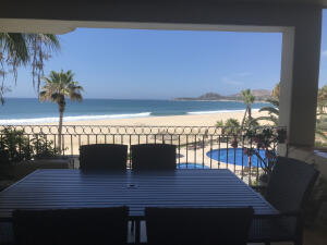 BEACHFRONT ZALATE!!! RIGHT ON THE SAND....YOU'LL NEVER WANT TO LEAVE, JUST ORDER IN AND ENJOY YOUR VIEW