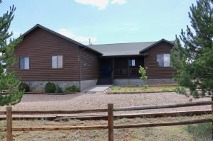 2749 Sundflower Drive, Overgaard, AZ 85933