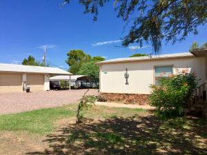 240 E Jackass Flats Road, Roosevelt, AZ 85545