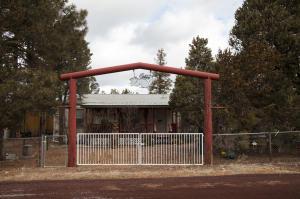 2066 Grey Squirrel Trail, Overgaard, AZ 85933
