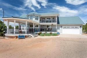 2974 RANCH HOUSE Road, Overgaard, AZ 85933