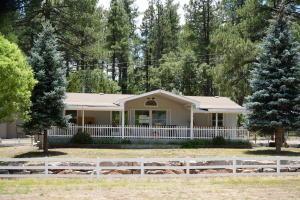 1144 E Ranch Road, Christopher Creek, AZ 85541