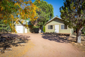 2138 FISHERMANS Road, Overgaard, AZ 85933