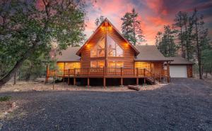 2083 FOREST HILL Lane, Overgaard, AZ 85933