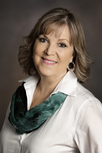 Carolyn Barcak agent image