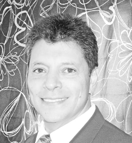 Roberto M. Quiros agent image