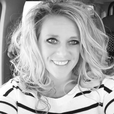 Danielle Squires agent image