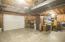 Oversized 1-car garage