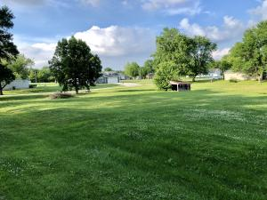300 S ROCHFORD ST, STURGEON, MO 65284