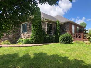 3105 WOODS CROSSING DR, COLUMBIA, MO 65202