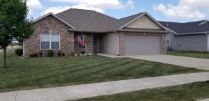 818 SHAWN CT, CENTRALIA, MO 65240