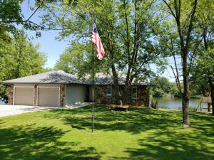 16800 N CROWNVIEW DR, CENTRALIA, MO 65240