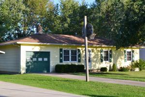 1712 LOUISA LN, MOBERLY, MO 65270