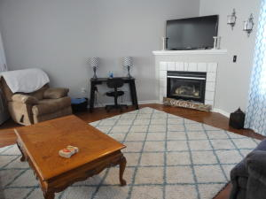 STOP PAYING RENT! BUY THIS GREAT CONDO WITH NO HOA'S