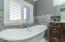 air bubbling spa tub