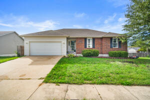6261 N GREGORY DR, COLUMBIA, MO 65202