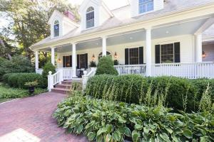 45 Hathaway Road, Osterville, MA 02655