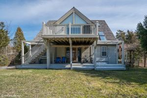 43 Point Hill Road, West Barnstable, MA 02668