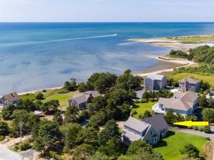 12 Clark Metters Way, South Chatham, MA 02659