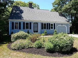97 Braley Jenkins Road, Centerville, MA 02630