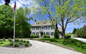 14 Ice Valley Road, Osterville, MA 02655