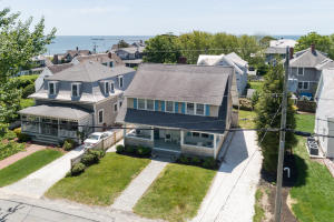 33 Washington Avenue, Hyannis Port, MA 02647