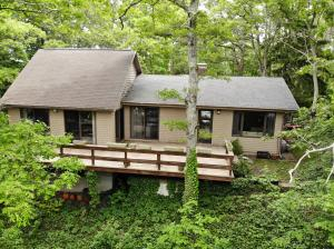 814 Old Strawberry Hill Road, Barnstable, MA 02632
