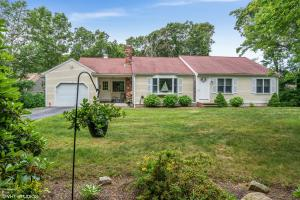 7 Surrey Lane, Barnstable, MA 02630