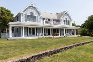 42 Lewis Bay Boulevard, West Yarmouth, MA 02673