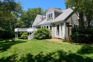 410 Nyes Neck Road, Centerville, MA 02632