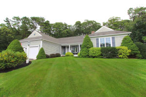 1 Old Castle Road, Yarmouth Port, MA 02675