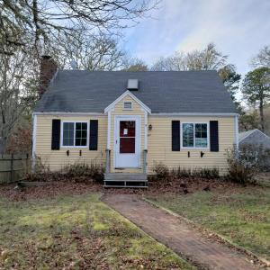 9 N Circuit Road, West Yarmouth, MA 02673