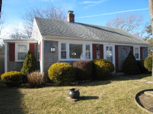 27 Beach Hills Road, Dennis Port, MA 02639