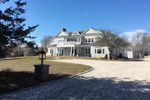 28 Oyster Pond Lane, Chatham, MA 02633