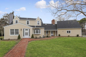 77 Tobey Way, West Hyannisport, MA 02672