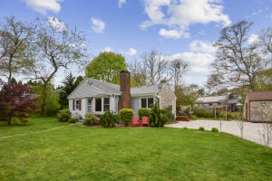 42 Bells Neck Road, West Harwich, MA 02671