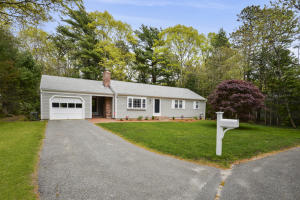 94 Valley Brook Road, Centerville, MA 02632