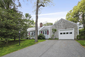 61 Lookout Road, Yarmouth Port, MA 02675
