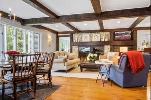 151 Bunker Hill Road, Osterville, MA 02655