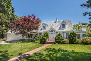 44 Eel River Road, Osterville, MA 02655