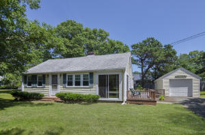 62 Berry Avenue, West Yarmouth, MA 02673