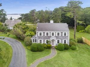 31 Eel River Road, Osterville, MA 02655