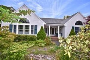 51 Field Stone Road, West Barnstable, MA 02668
