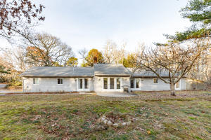 1007 River Road, Marstons Mills, MA 02648