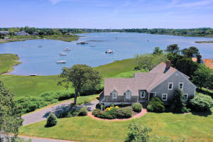 105 Wood Carver Knoll, Chatham, MA 02633