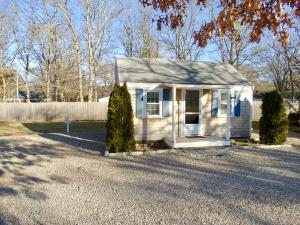 90 Seaview Avenue, South Yarmouth, MA 02664